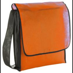 Přírodní, krátké, dřevěné, hrocené pastelky, 6 ks v papírovém obalu. Rozměr obalu 90 x 45 x 8 mm. Balení po...
